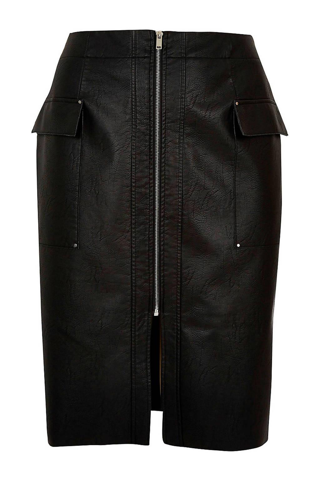 River Island Plus imitatie leren rok zwart met klepzakken, Zwart