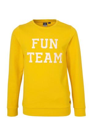 sweater met tekst en 3D applicatie geel