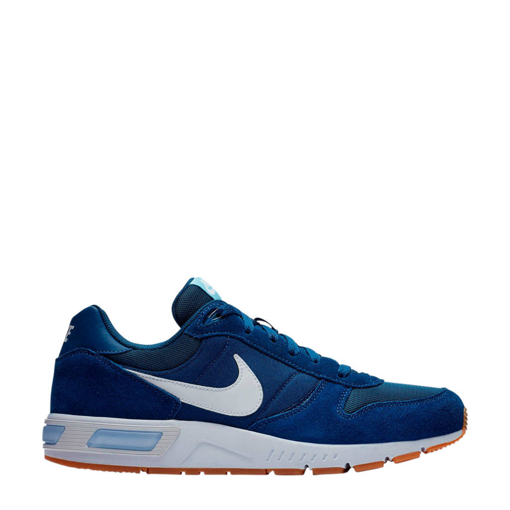 Nike Nightgazer suède sneakers blauw, Blauw/wit