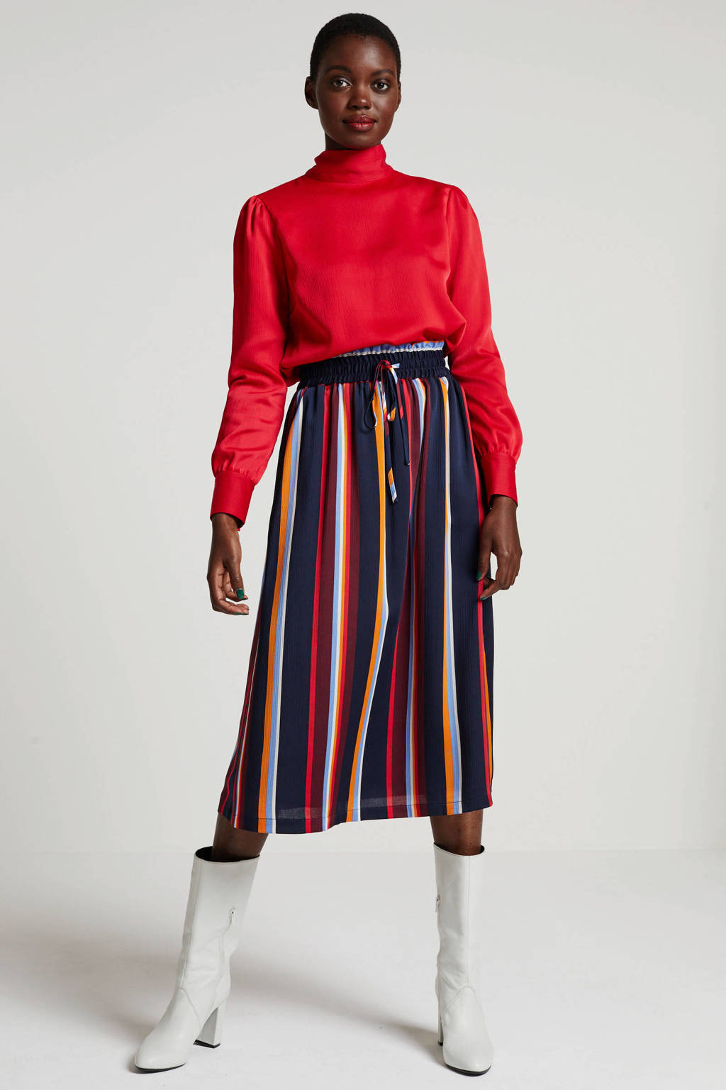 Another-Label top rood, Rood