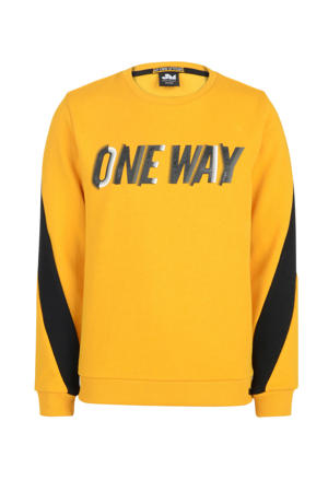 sweater Peppe met tekst oker/zwart