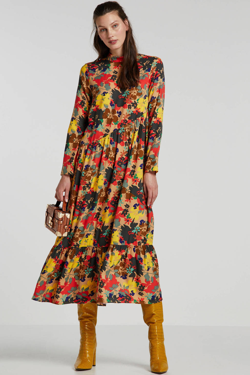 Lost Ink maxi jurk met all over print en volant beige/rood/geel, Beige/rood/geel