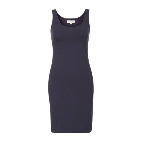 PROMISS jersey jurk donkerblauw, Deze damesjurk van PROMISS is gemaakt van een katoenmix. De jurk heeft verder een ronde hals en korte mouwen.Bestel je voor de eerste keer bij Promiss en twijfel je over de juiste maat? Wij adviseren je om te kiezen voor een maat kleiner dan je doorgaans draagt.Extra gegevens:Merk: PROMISSKleur: BlauwModel: Jurk (Dames)Voorraad: 4Verzendkosten: 0.00Plaatje: Fig1Plaatje: Fig2Maat/Maten: XLLevertijd: direct leverbaar
