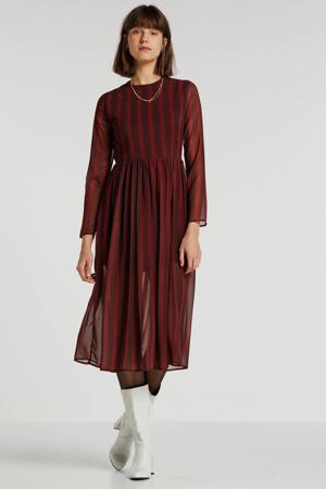 semi-transparante jurk met stippen en plooien zwart/rood
