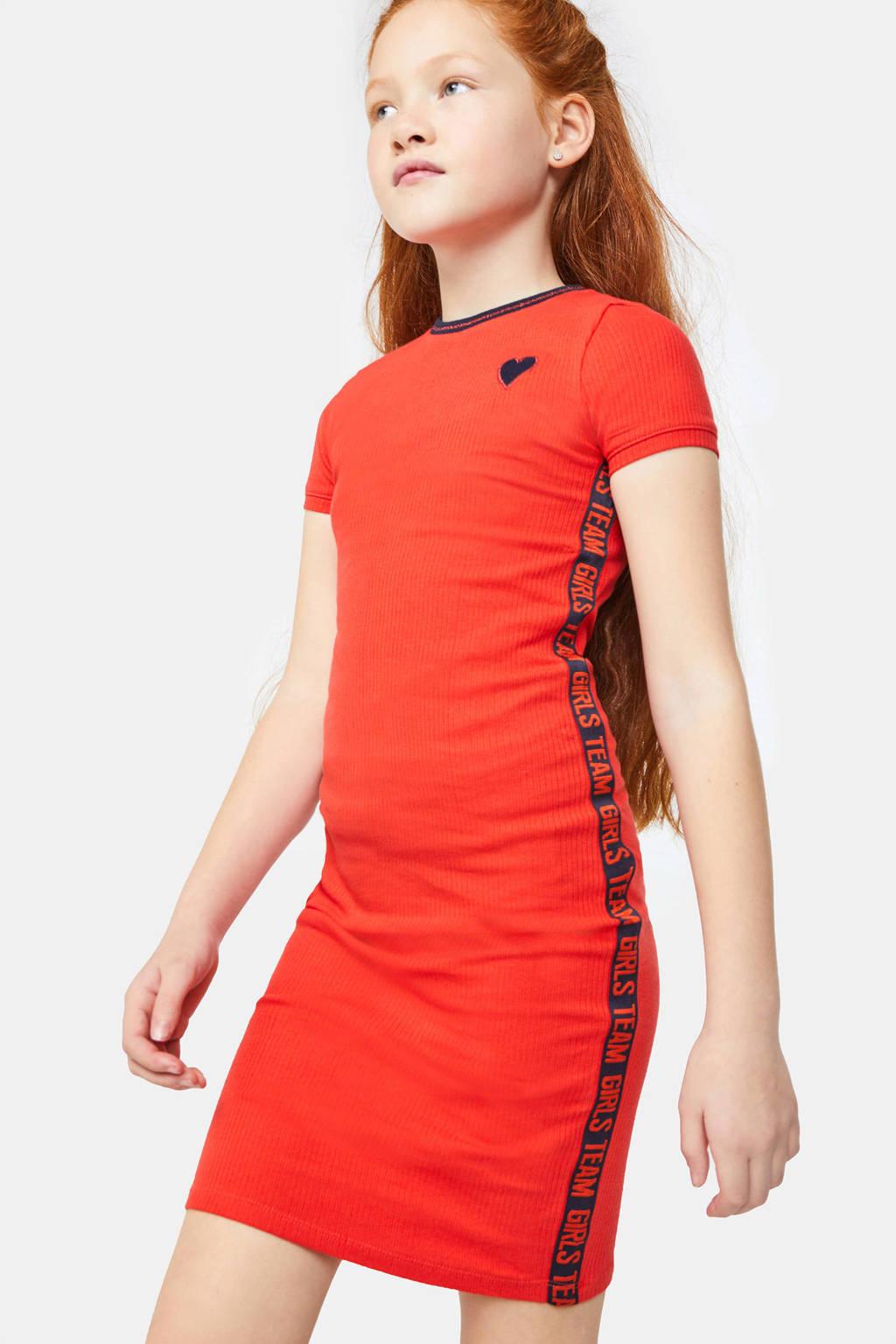 WE Fashion ribgebreide T-shirtjurk met contrastbies en borduursels rood/donkerblauw, Rood/donkerblauw