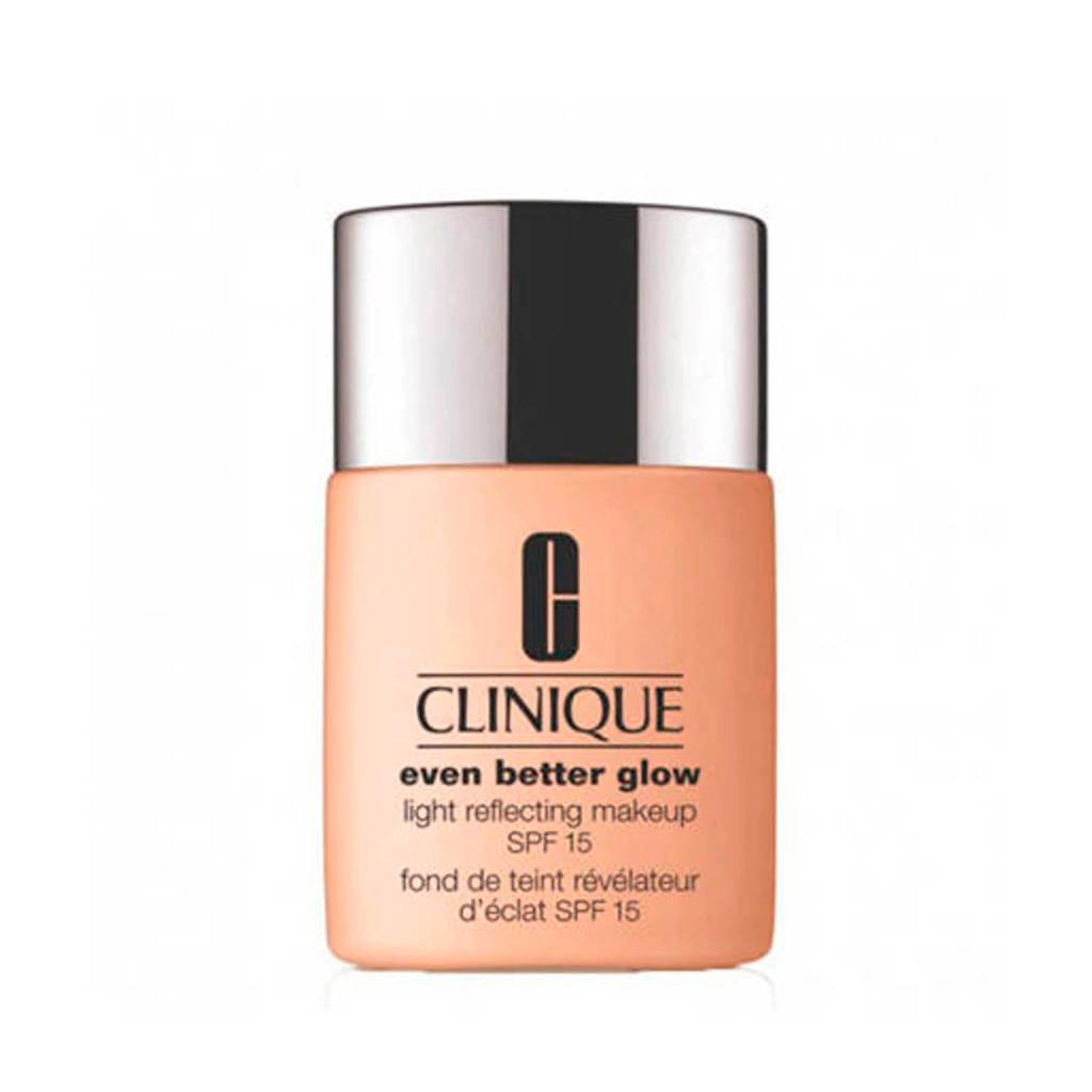 Clinique Even Better Glow Light Reflecting Makeup SPF15 foundation - 44 Tea
