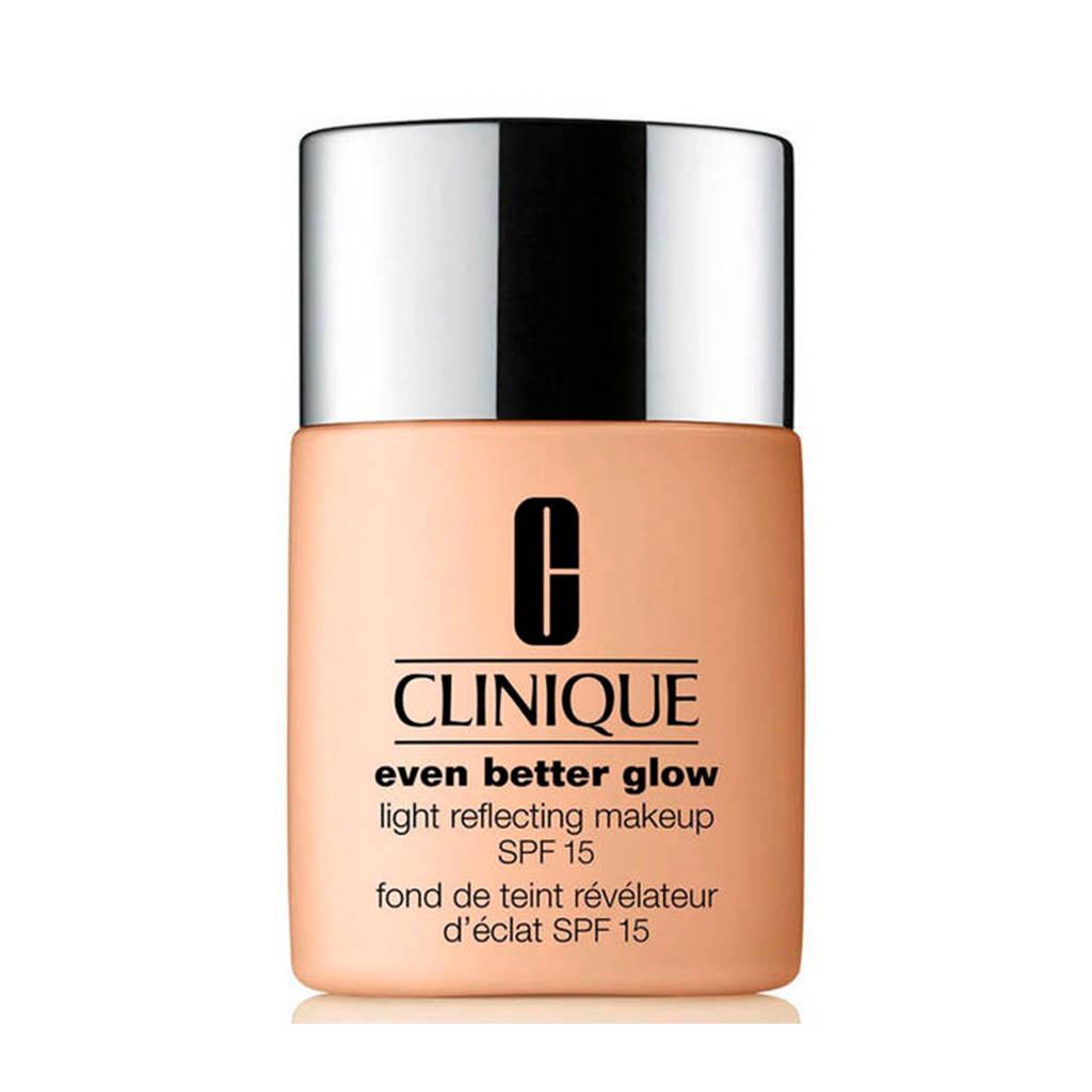 Clinique Even Better Glow Light Reflecting Makeup SPF15 foundation - 02 Breeze