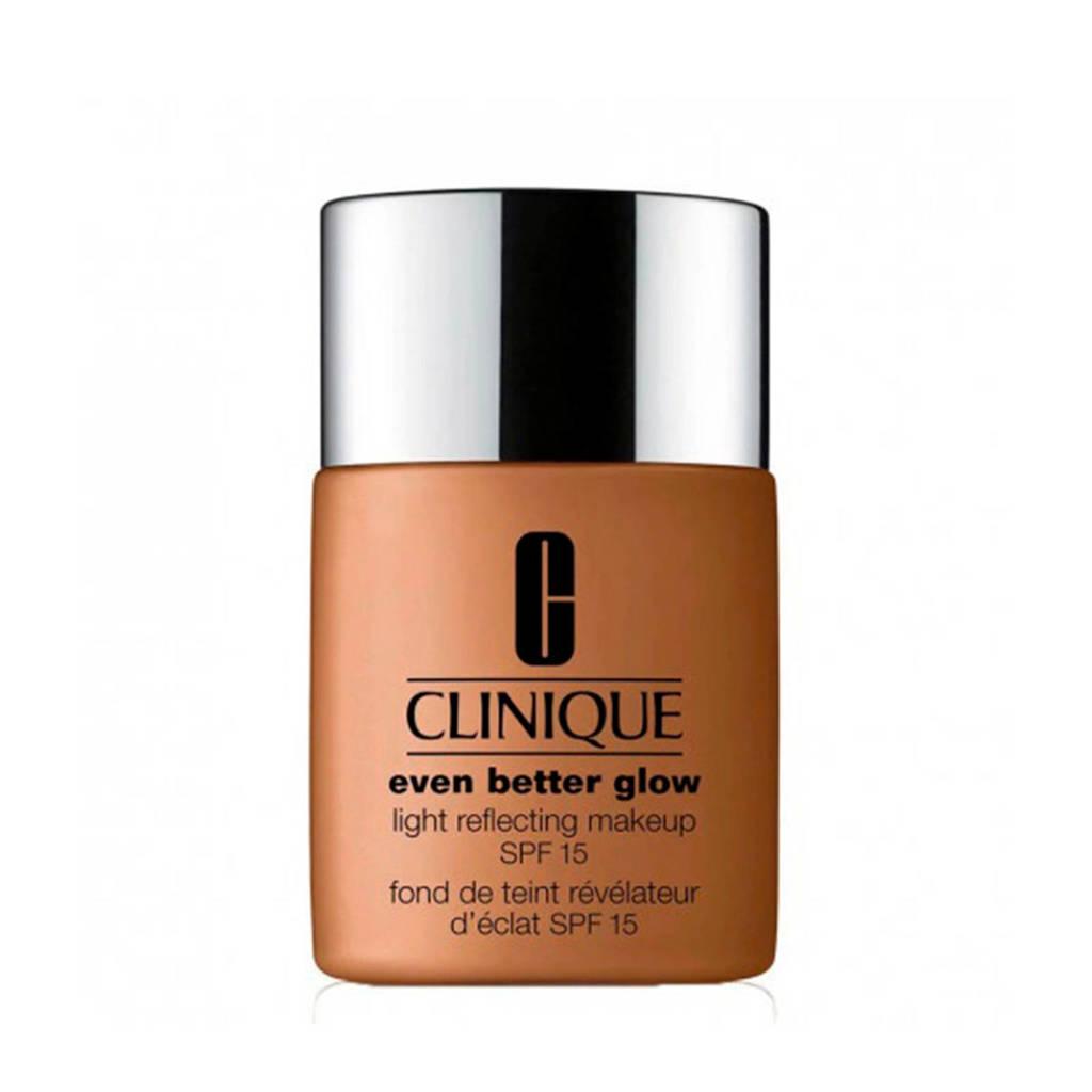 Clinique Even Better Glow Light Reflecting Makeup SPF15 foundation - 122 Clove