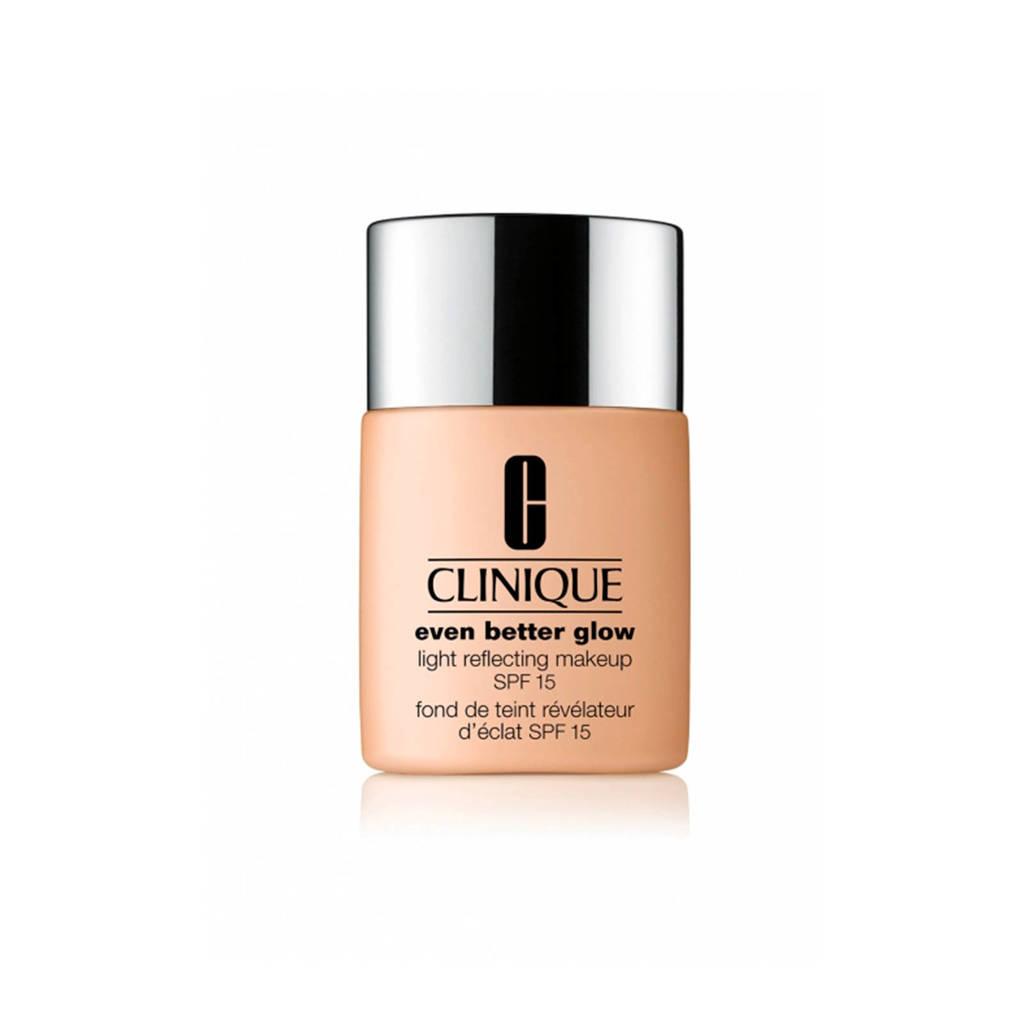 Clinique Even Better Glow Light Reflecting Makeup SPF15 foundation - 62 Porcelein Beige