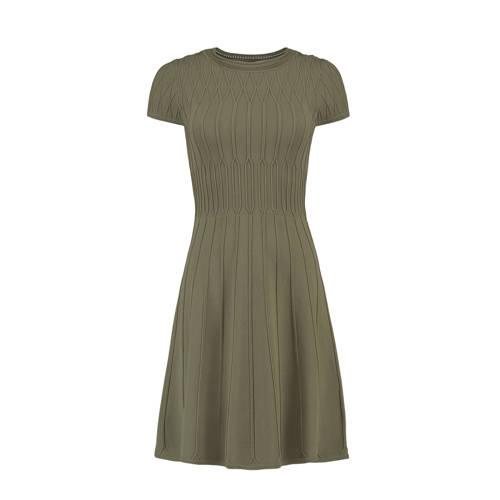 NIKKIE fijngebreide jurk olijfgroen