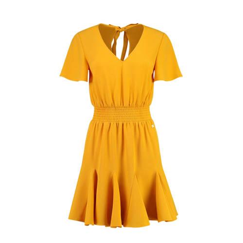 NIKKIE jurk Romy met plooien geel