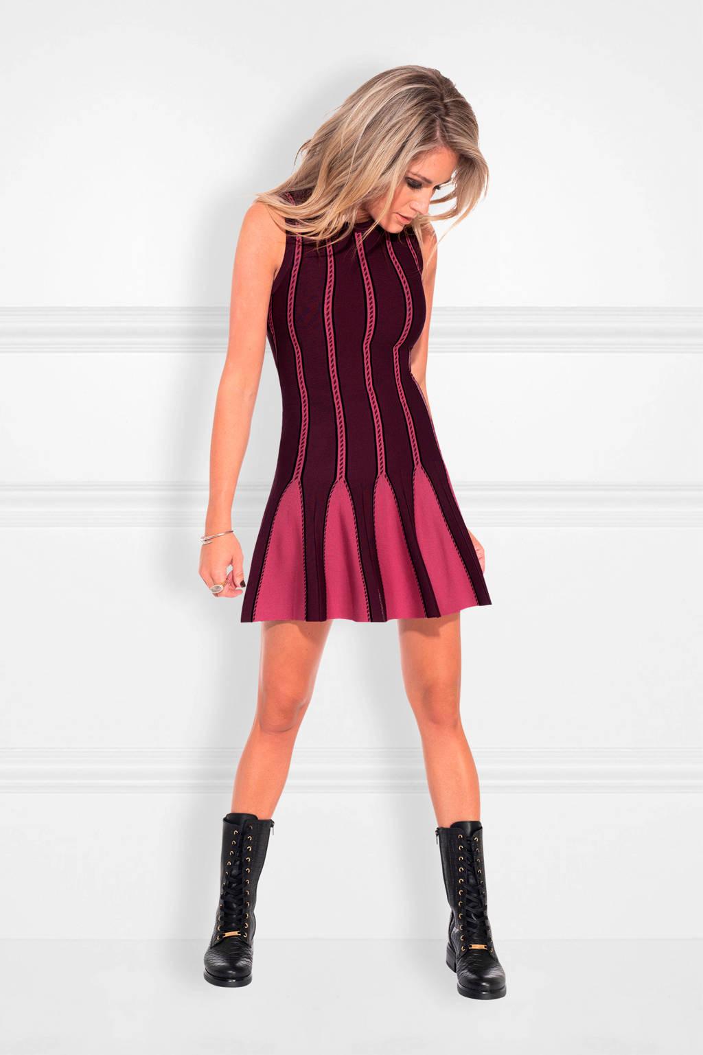 NIKKIE fijngebreide jurk Jules zwart/ wijnrood, Zwart/ wijnrood