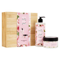 Love Beauty and Planet Muru Muru Butter & Rose luxe geschenkset in bamboebox (2-delig)