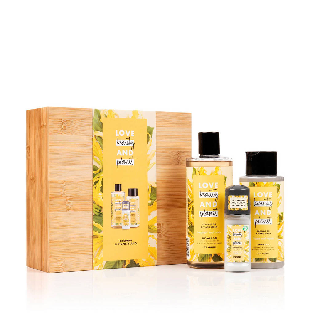 Love Beauty and Planet Coconut Oil & Ylang Ylang luxe geschenkset in bamboebox (3-delig)