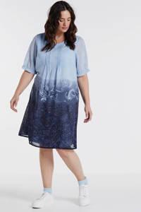 Zhenzi jurk met all over print en ruches blauw, Blauw