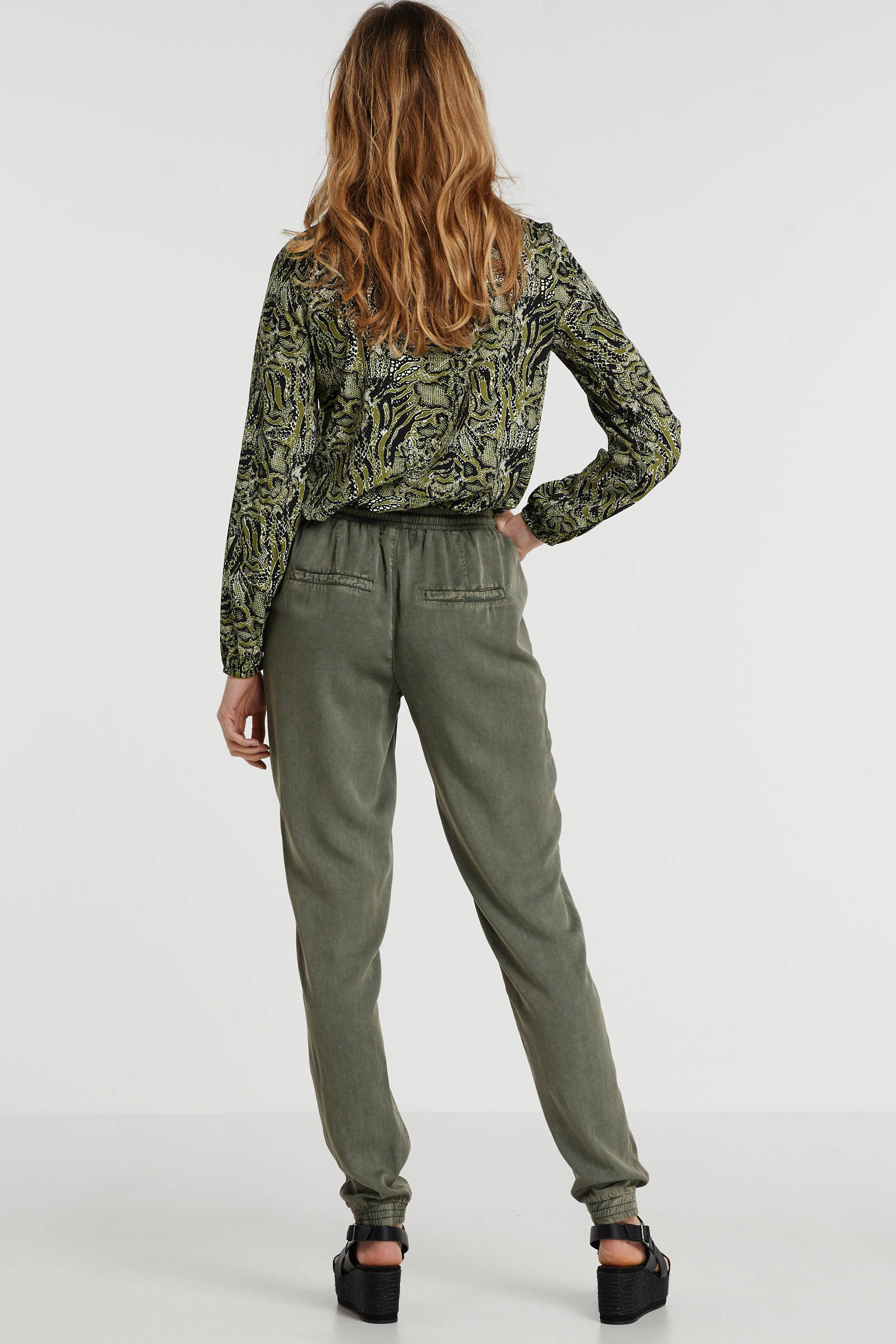 broek van viscose tencel in used look groen
