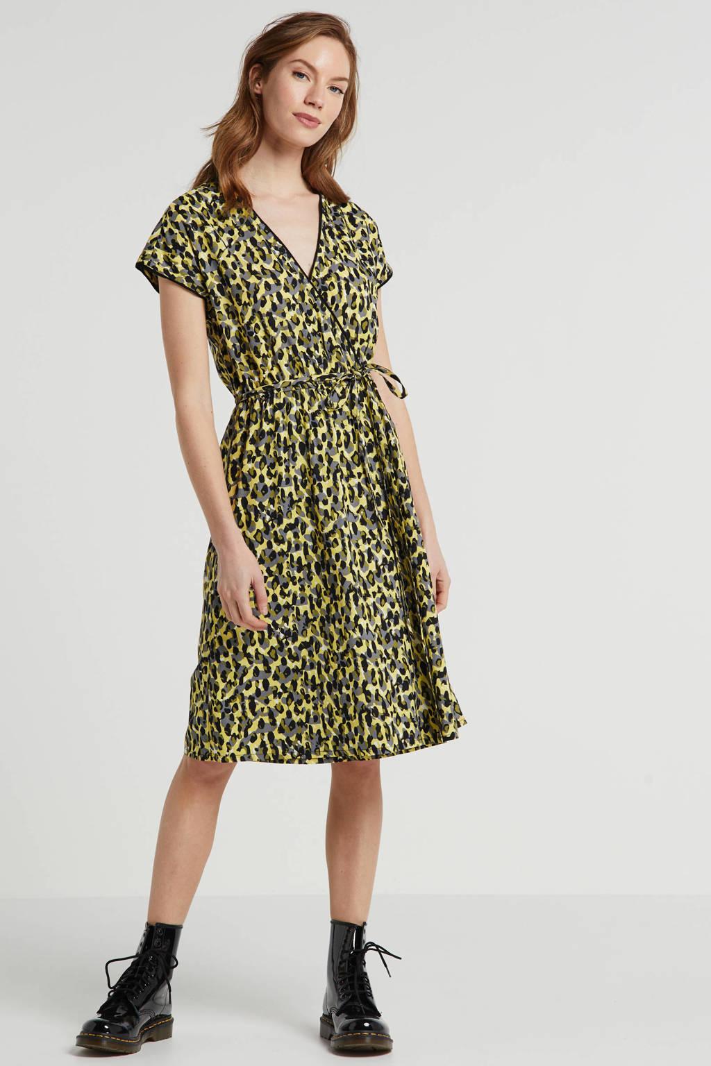 anytime wikkel-look jurk met camouflage print geel, Geel/zwart
