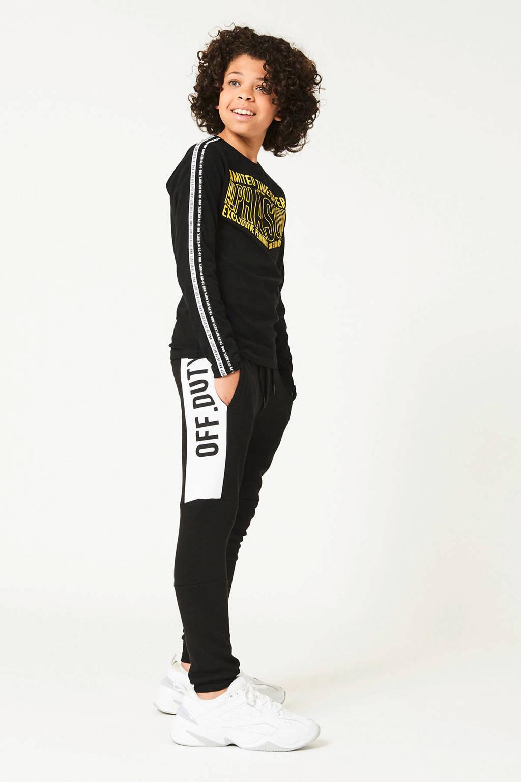 CoolCat Junior   slim fit joggingbroek Cly met tekst zwart/wit, Zwart/wit