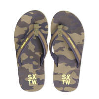 WE Fashion   teenslippers camouflage, Groen