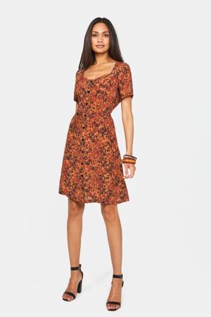 jurk met all over print en ceintuur cinnamon