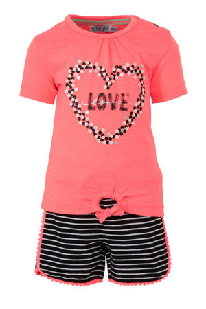 tweedelige set korte broek en t-shirt