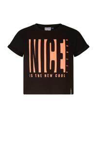 Retour Denim cropped T-shirt Sara met printopdruk zwart/oranje, Zwart/oranje