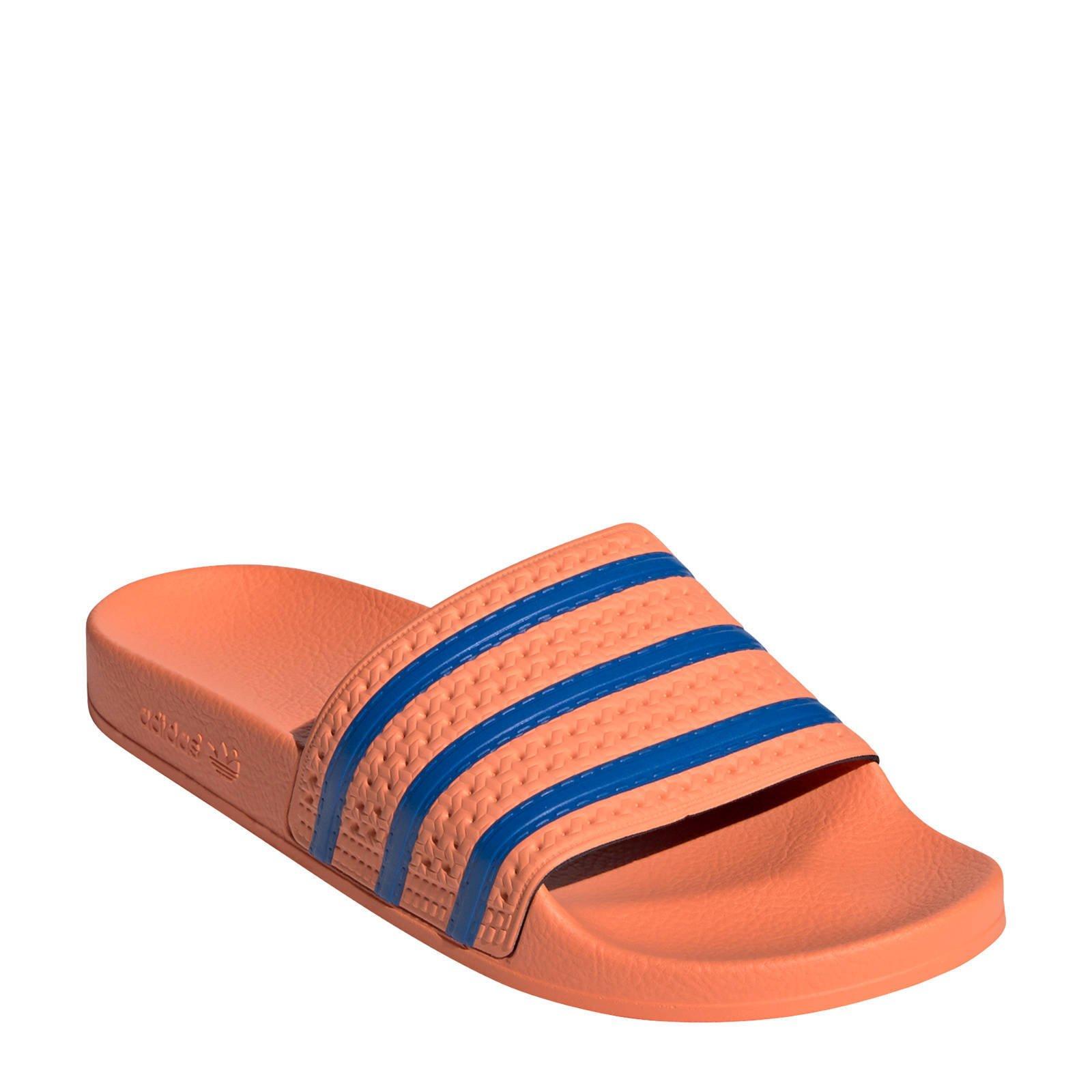 adidas Originals Adilette badslippers oranje/blauw | wehkamp