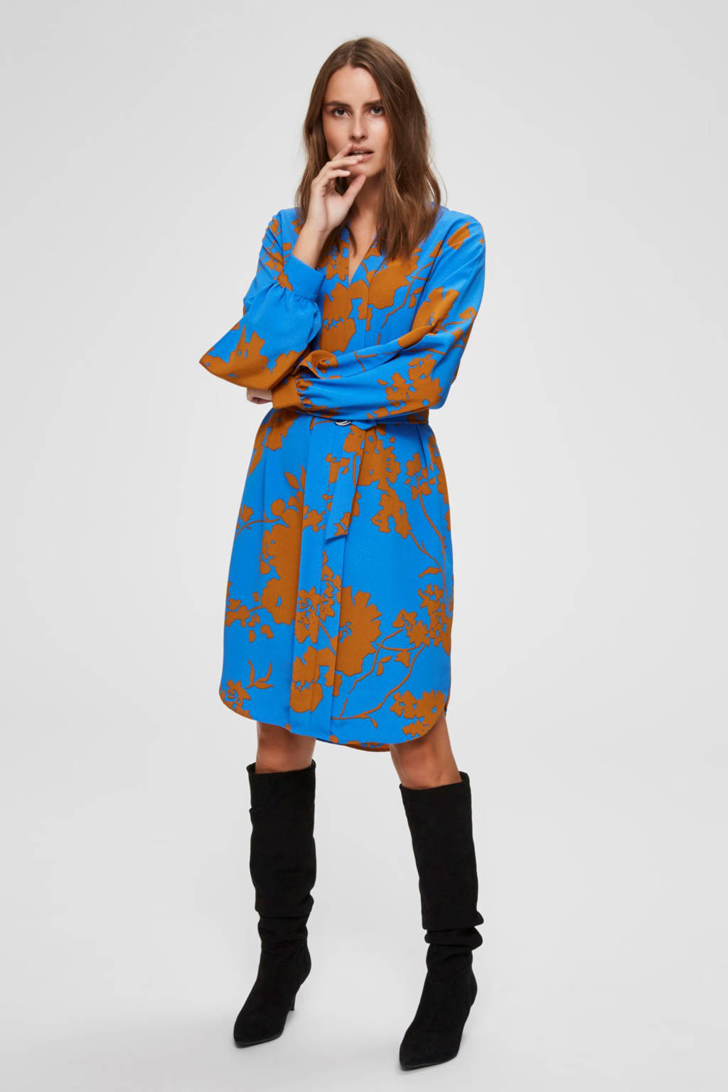 SELECTED FEMME jersey jurk met all over print en ceintuur blauw/camel, Blauw/camel