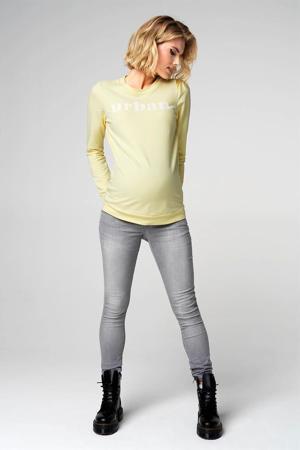zwangerschapssweater Urban met tekst lichtgeel