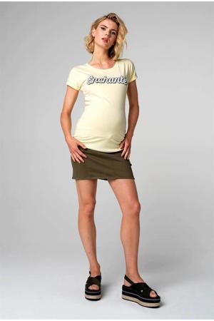 zwangerschapsshirt met tekst lichtgeel