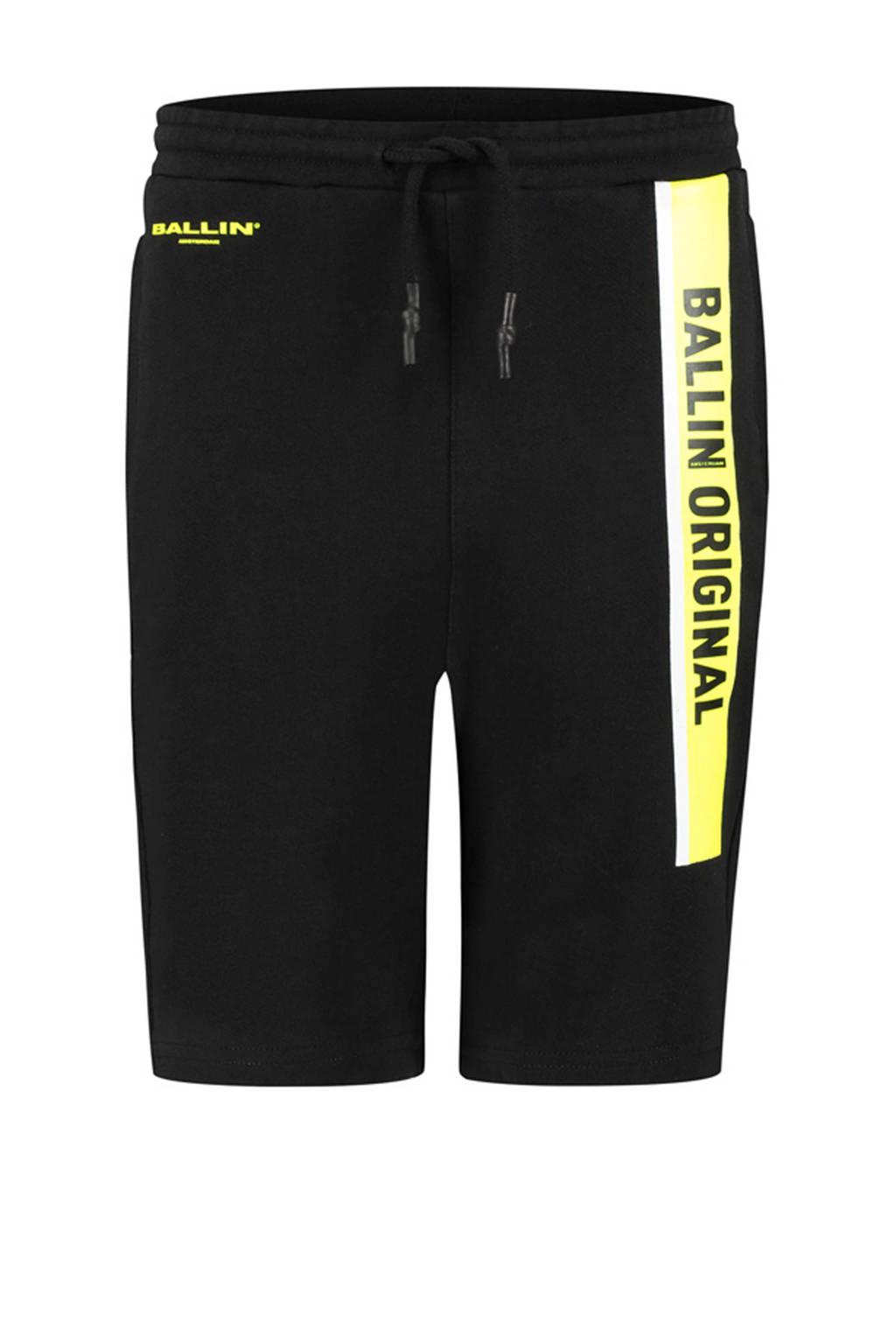 Ballin Amsterdam Junior by Purewhite sweatshort met tekst zwart/geel/wit, Zwart/geel/wit
