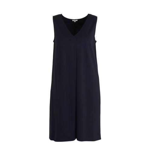Tom Tailor jurk en plooien donkerblauw, Deze damesjurk van Tom Tailor is gemaakt van een viscosemix. De mouwloze jurk heeft verder een ronde hals.details van deze jurk:plooienExtra gegevens:Merk: Tom TailorKleur: BlauwModel: Jurk (Dames)Voorraad: 4Verzendkosten: 0.00Plaatje: Fig1Maat/Maten: 54Levertijd: direct leverbaar