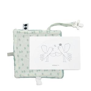 geboortekaartje met knuffeldoekje in een envelop lichtroze knuffeldoekje