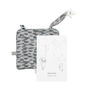 geboortekaartje met knuffeldoekje in een envelop frost grey knuffeldoekje