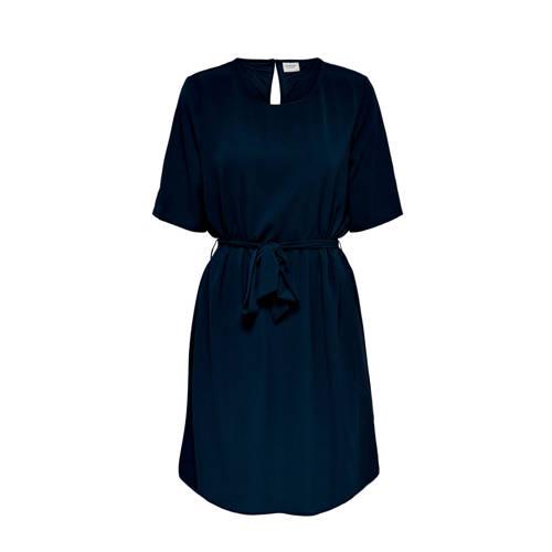 JACQUELINE DE YONG jurk met ceintuur donkerblauw