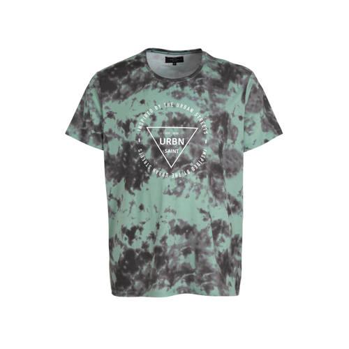 URBN SAINT T-shirt met all over print groen