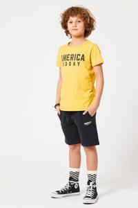 America Today Junior sweatshort Nat met tekst zwart/ecru, Zwart/ecru