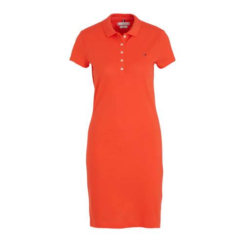 Tommy Hilfiger jersey jurk rood, Deze damesjurk van Tommy Hilfiger is gemaakt van een katoenmix. Het model beschikt over een knoopsluiting. De jurk heeft verder een polokraag en korte mouwen.Extra gegevens:Merk: Tommy HilfigerKleur: RoodModel: Jurk (Dames)Voorraad: 3Verzendkosten: 0.00Plaatje: Fig1Maat/Maten: MLevertijd: direct leverbaarAanbiedingoude prijs: € 99.90