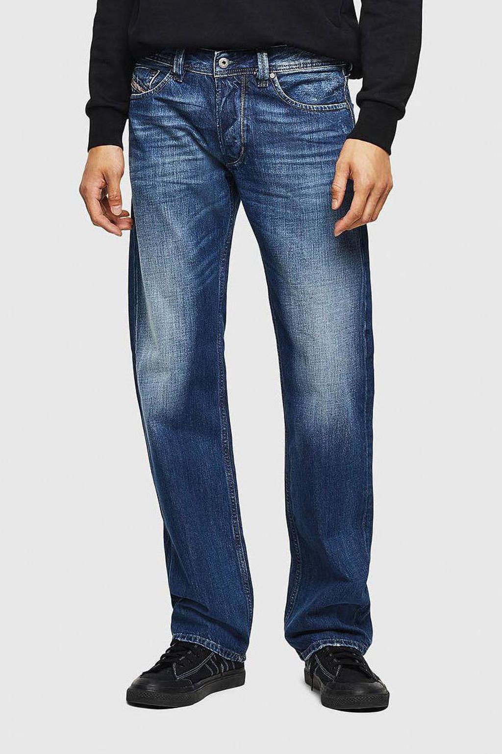 Diesel straight fit jeans Larkee mid blue, Mid blue