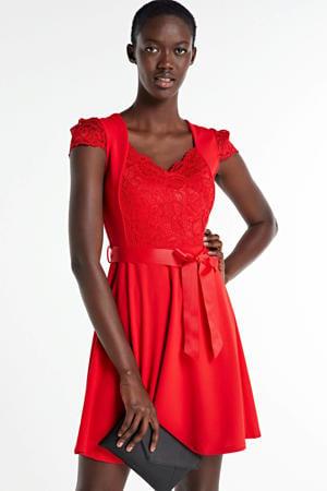 A-lijn jurk met kant rood