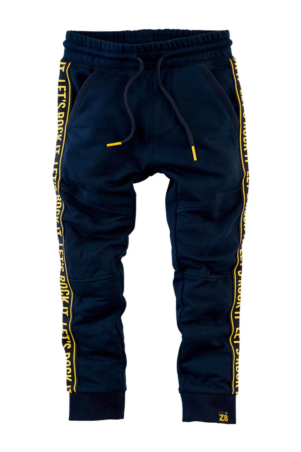 Z8 joggingbroek Cas met zijstreep donkerblauw/geel, Donkerblauw/geel