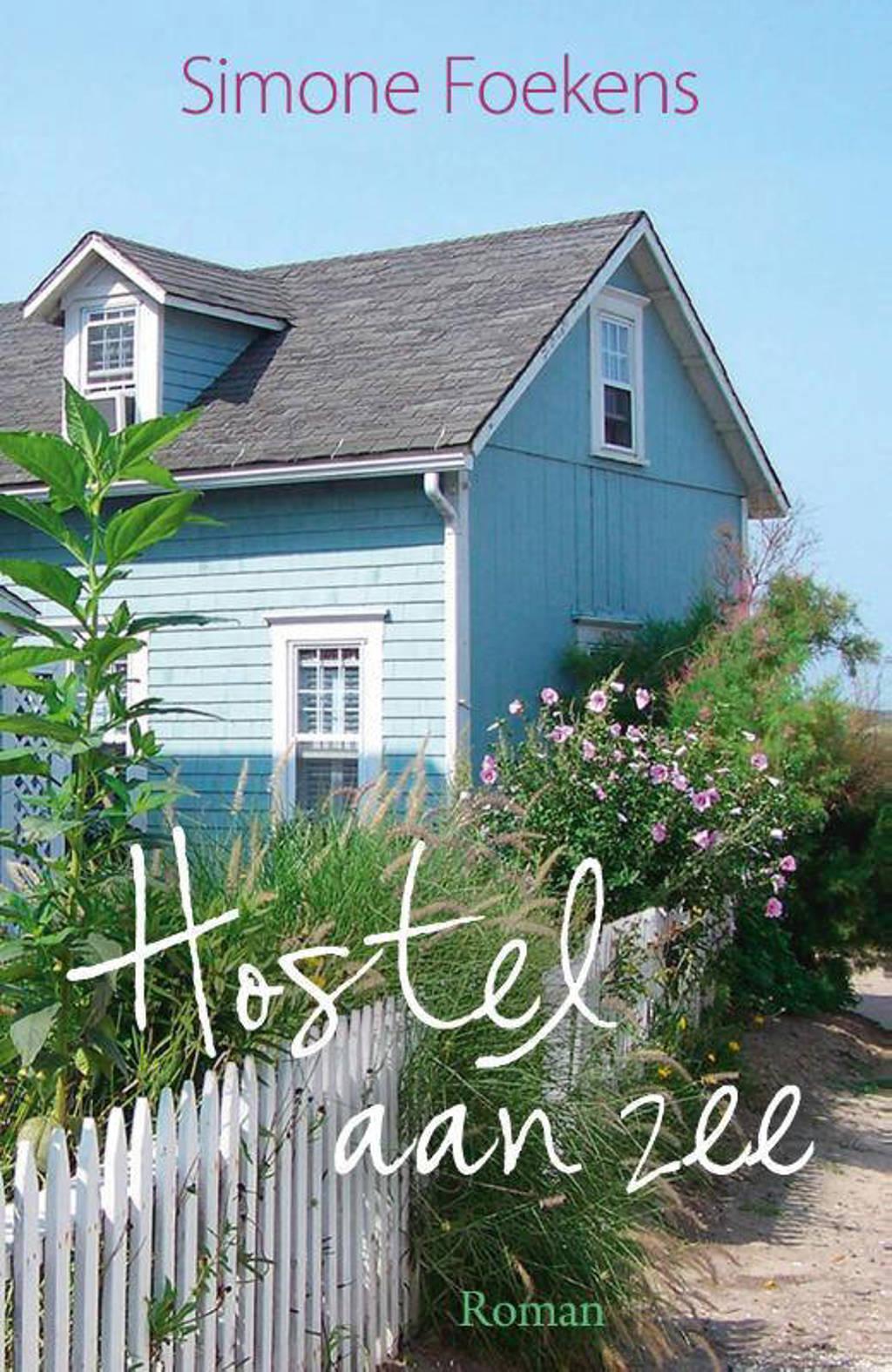 Romanserie 2020: Hostel aan zee - Simone Foekens