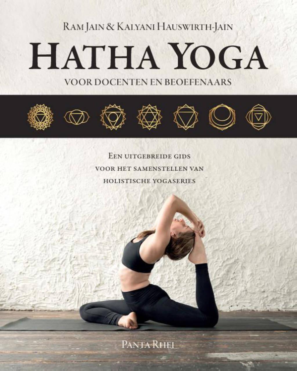 Hatha Yoga voor docenten en beoefenaars - Ram Jain en Kalyani Hauswirth-Jain