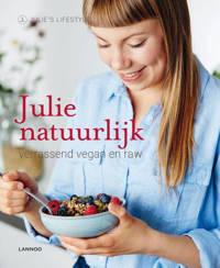 Julie natuurlijk - Julie Van den Kerchove