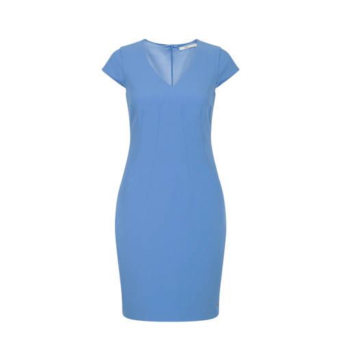 Steps jurk blauw, Deze damesjurk van Steps is gemaakt van een polyestermix. De jurk met korte mouwen heeft verder een V-hals. De voering is gemaakt van 100% polyester.Extra gegevens:Merk: StepsKleur: BlauwModel: Jurk (Dames)Voorraad: 9Verzendkosten: 0.00Plaatje: Fig1Plaatje: Fig2Maat/Maten: 44Levertijd: direct leverbaarAanbiedingoude prijs: € 89.99