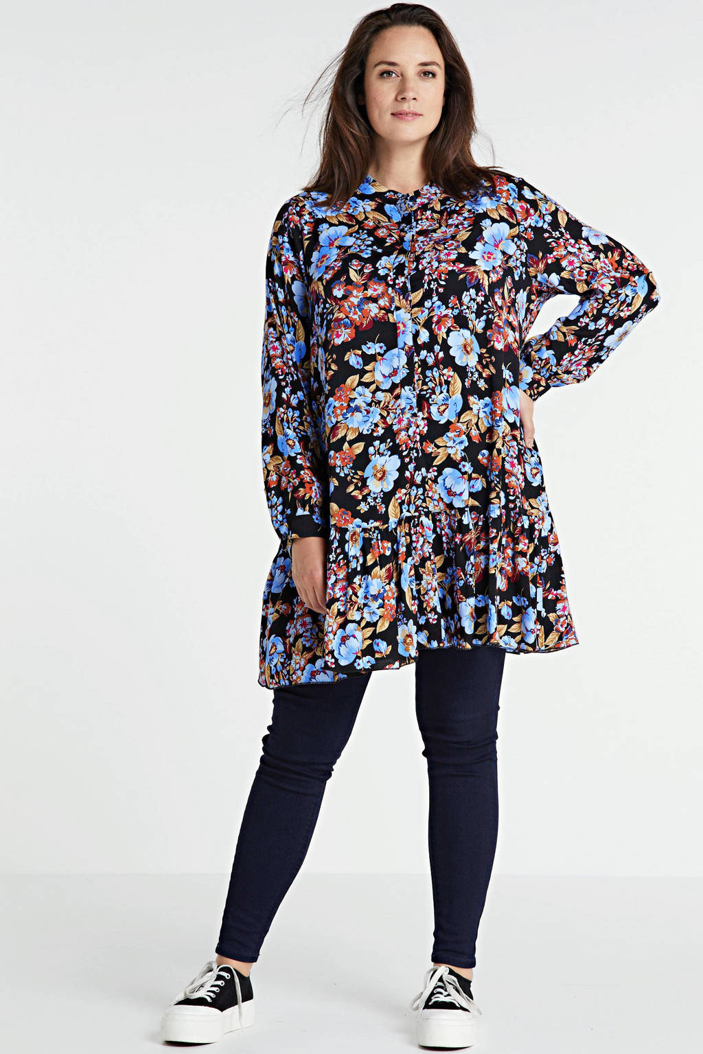 Yesta gebloemde semi-transparante tuniek zwart/blauw/rood, Zwart/blauw/rood