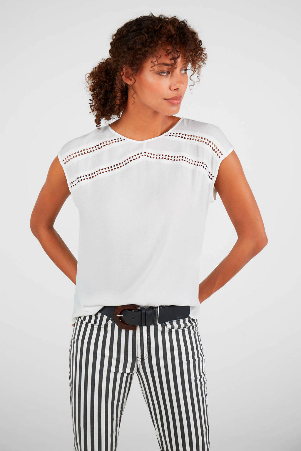 Expresso top Daphne en open detail wit, Wit