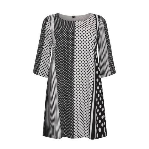 Yoek A-lijn jurk met all over print zwart/wit