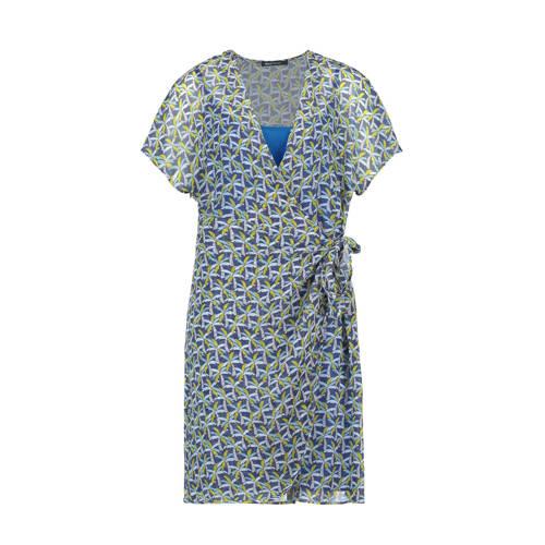 Expresso wikkeljurk met all over print blauw geel wit, Deze dames wikkeljurk van Expresso is gemaakt van een polyestermix en heeft een all over print. Het model beschikt over een striksluiting. De jurk met korte mouwen heeft verder een overslagkraag. De jurk heeft een voering.Extra gegevens:Merk: ExpressoKleur: BlauwModel: Jurk (Dames)Voorraad: 9Verzendkosten: 0.00Plaatje: Fig1Plaatje: Fig2Maat/Maten: 38Levertijd: direct leverbaarAanbiedingoude prijs: € 119.95
