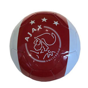 voetbal groot wit met rode baan en kruizen maat 5